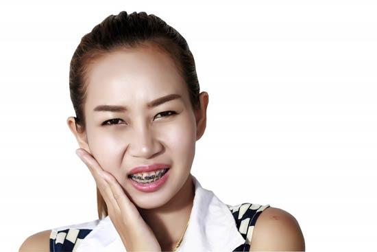 درد دندان و فک در ارتودنسی:روشهای موثر خانگی و تسکین دارویی