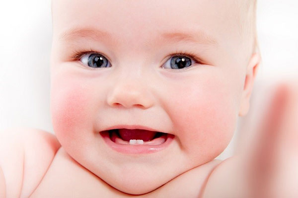 ترتیب دندان درآوردن نوزاد و کودک، مراقبت و مسواک دندان شیری